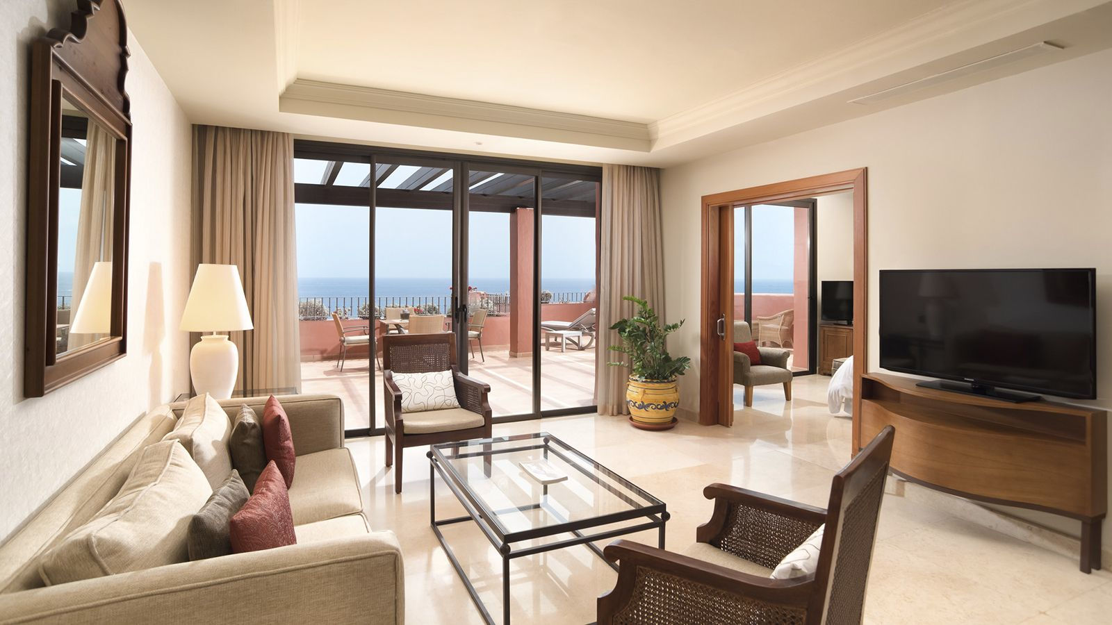 LA CALETA SUITE LIVING ROOM